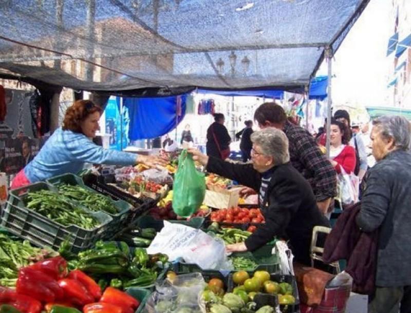 Weekly street market in Caravaca de la Cruz